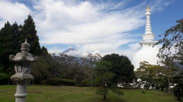 Peace Pagoda y Fuji