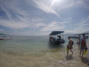 El barco en el que fuimos a hacer el tour de snorkeling