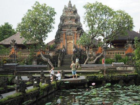 templo Taman Saraswati
