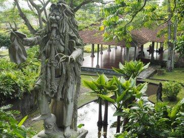 Estatua en Tirta Gangga